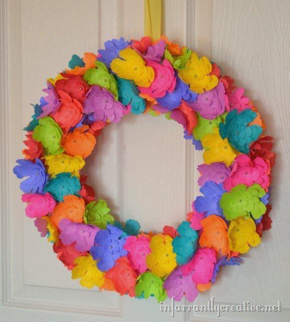 Neon crafts: Make a neon paper flower wreath
