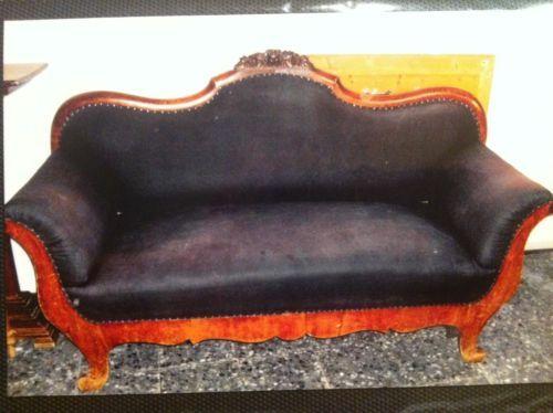 die besten 25 altes sofa ideen auf pinterest goldenes sofa gelbe couch und goldene couch. Black Bedroom Furniture Sets. Home Design Ideas