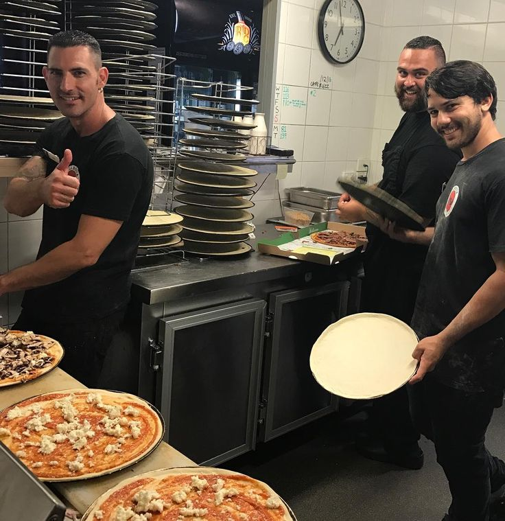 La Bocca boys are already pumping out the pizzas! Joey and the team smashing in to 2017!! #labocca #NYE2016 #4223