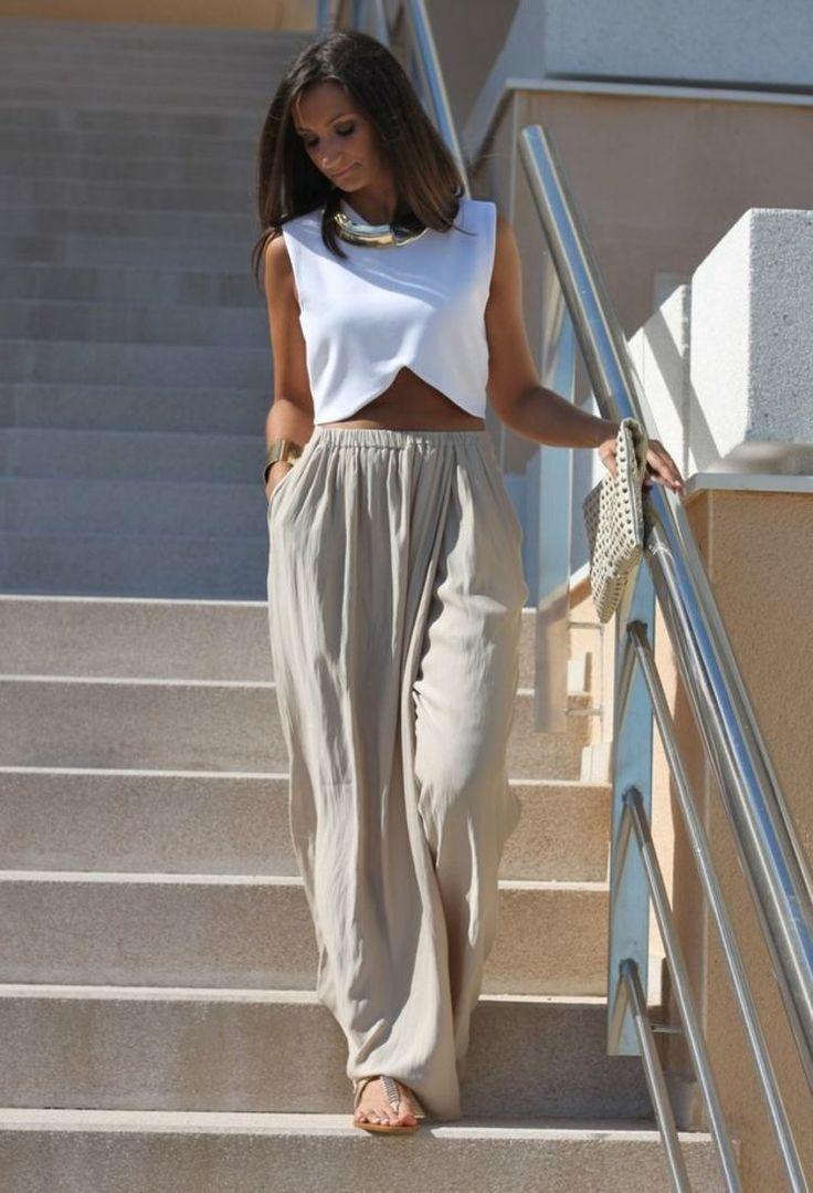 crop top tendance blanc et pantalon fluide taille élastique