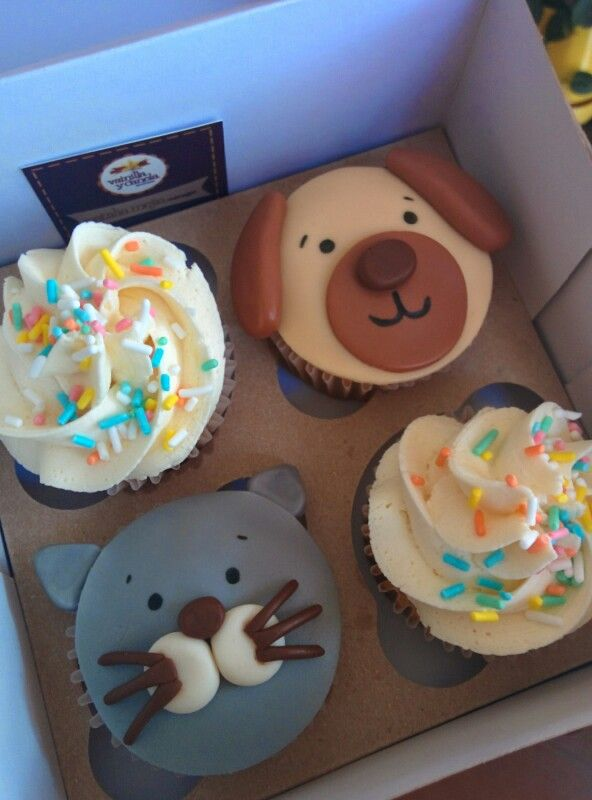#Birthday #cupcakes with a #cat and a #dog, we made them for a #surprise #breakfast #gift.