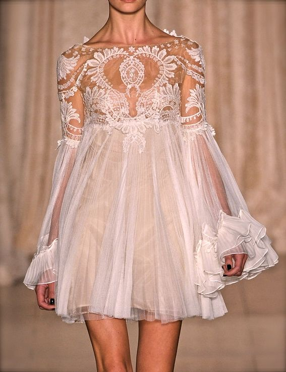 Marchesa, model, runway, haute couture, couture, fashion, high fashion, New York Fashion Week, fashion week, chiffon, tulle, lace, sequins, crystals, ruffles, floral, sheer, flounces, pleats, vintage, antique, detail, embroidery, Marchesa Couture, couturier, atelier, fashion designer, princess, fairy tale,