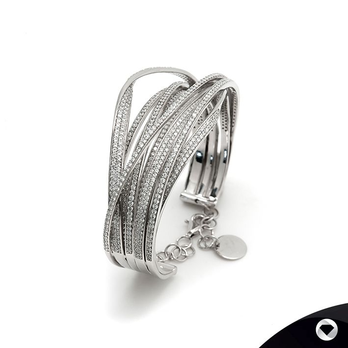 LineArgent elegance in silver