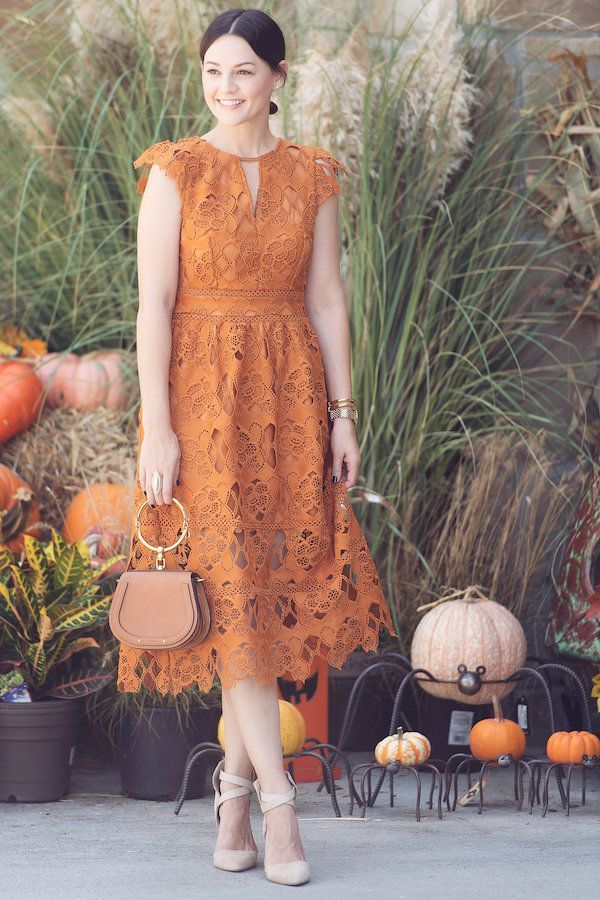 This orange lace dress is perfect for Fall - House of Harper #fall #dress #styleguide #womansstyle