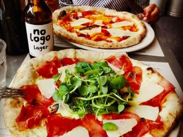 London based pizza chain Franco Manca, founded by Italian-born Giuseppe Mascoli in 2008, is to open a restaurant in Salina, one of the Aeolian Islands in 2017, to train chefs who with the aim of bringing them to the UK to work in the chain