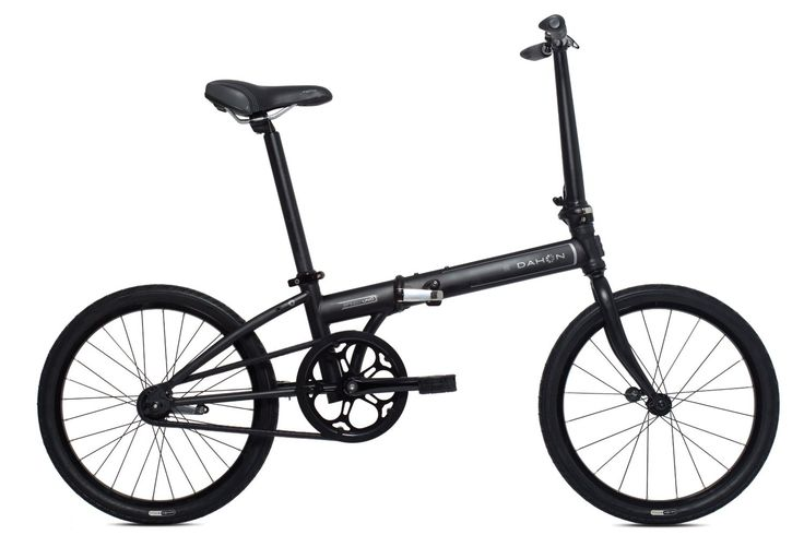 The single speed Dahon Speed Uno is the newer (and slightly heavier) version of the popular urban commuter single speed bicycle, the Mu Uno. The Speed Uno comes in at 24lbs (10.9 kg) and is one of Dahon's lightest folding bikes. Weight is kept to an absolute minimum by using an old school rear coaster brake which allows you to slow the bike by pedalling backwards...  Read the full review here: http://www.foldingbike365.com/dahon-speed-uno-review/