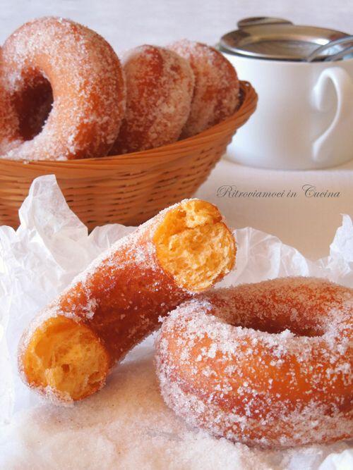 Ritroviamoci in Cucina: Sweet Potatoes Donuts