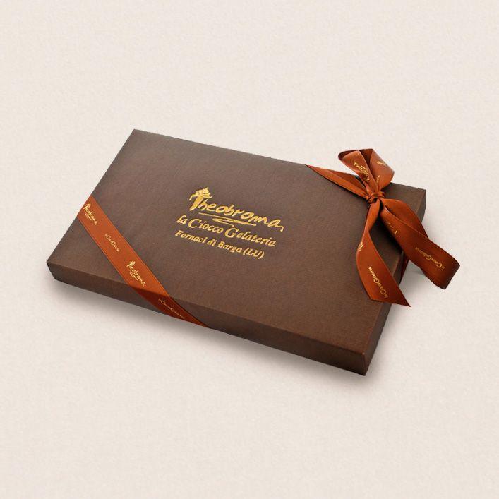 Elegante idea regalo contenente una bottiglia di Anejo 9 anni e una confezione di praline di Cioccolato da 24 o 36 pezzi ripiene con i nostri rum. - See more at: http://store.legendario.it/idee-regalo/