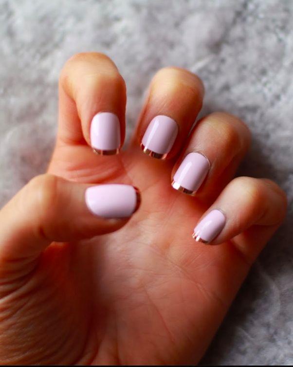 lilac mani with metallic tips