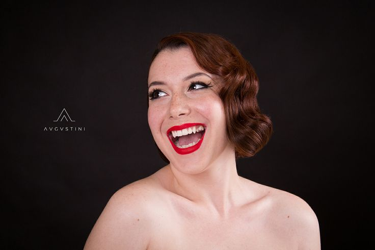 Portfolio | Ana Augustini #makeupartist #makeup #augustini #retro #hair #cernisov #redlips #liner #freckles #lauravlasa
