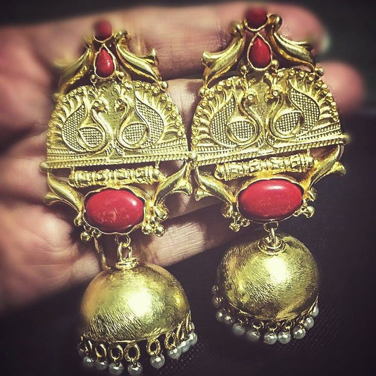 Finally! These gorgeous Jhumkis have arrived. They are so so pretty!!! My sister…