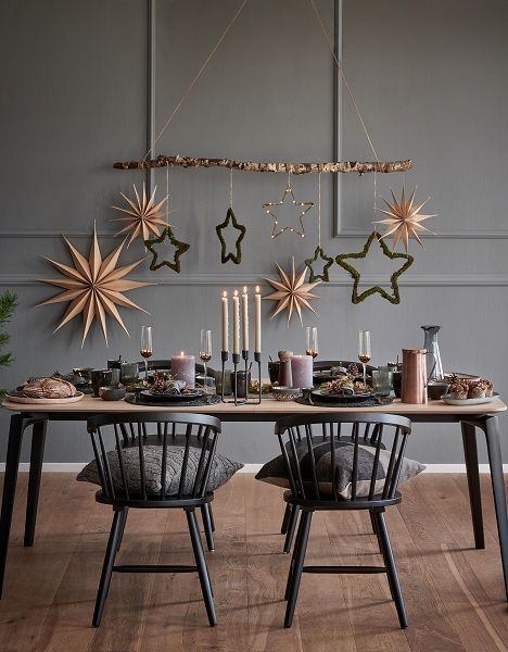 """This is how the """"Nordic Christmas"""" look works: God Jul! The Scandi style adds a modern elegance to any Christmas table. For an atmospheric f …"""