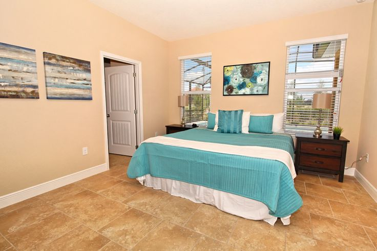 5 Bedrooms and 4.5 Bathrooms villa, sleeping up to 10 guests. Located in the beautiful Solterra Resort community, this home is only 10 miles away from the #world #famous #WaltDisneyWorld #ThemePark.