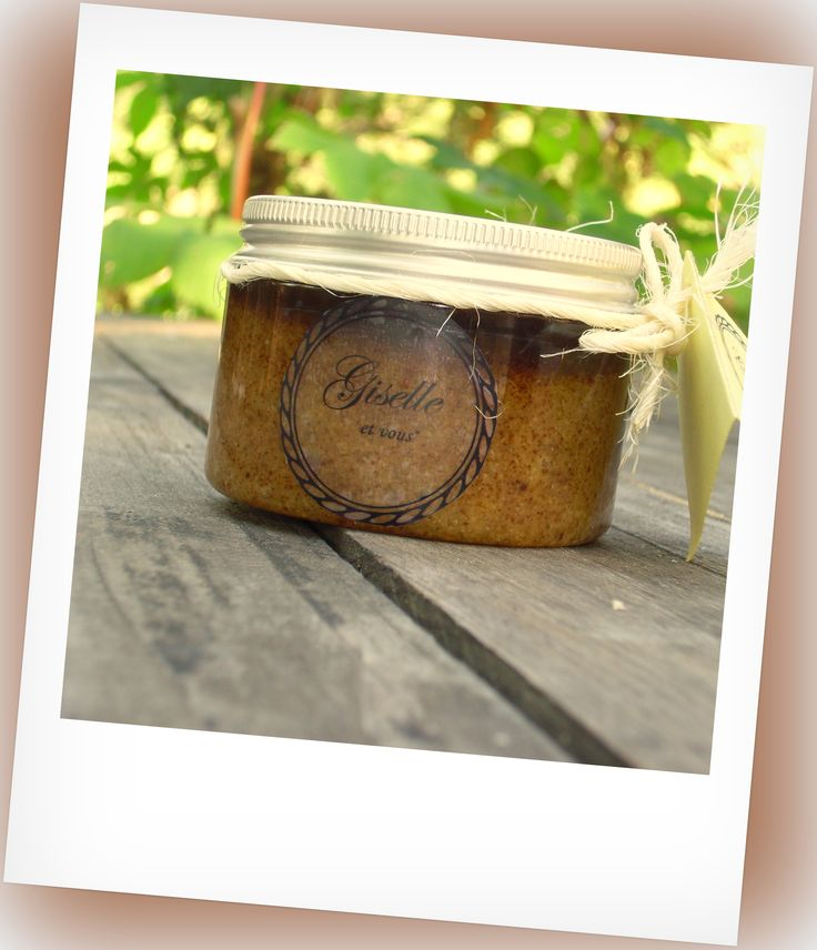 Goat milk and honey Body Scrub with propolis / Ingredients: goat milk, honey, propolis, cane sugar, sea salt healing, traditional salt, almond oil, jojoba oil, apricot kernel oil, essential oils / 100% natural organic product / Giselle et Vous.