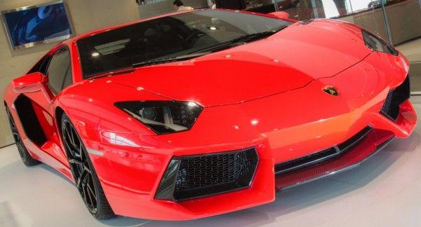 Lamborghini Aventador LP 700-4 with innovative start/stop system