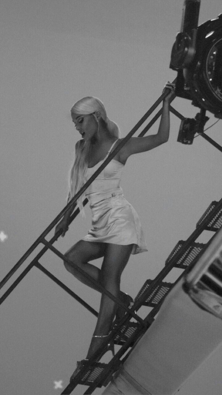 Ariana Grande On The Filming Of No Tears Left To Cry Cantores