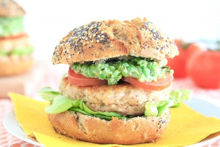 Kabeljauwburger met erwtenspread – FOOD