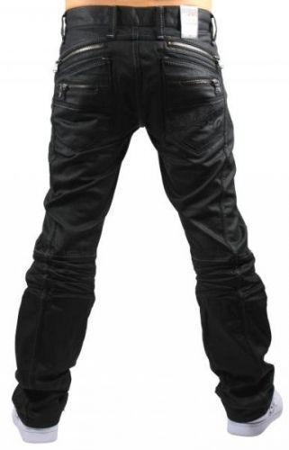Knalltff svart jeans med glidelser og rffe detaljer fra Cipo and Baxx. Unik og stilig jeans som du garantert fr oppmerksomhet for. Vi er de eneste i Norge som selger disse buksene! Modell: C-0812Farger: SvartMerke: Cipo  BaxxFit: Regular FitMateriale: 100% bomullVaskeanvisning: 30 graderStrrelser: 29/32, 30/32, 31/32, 32/32, 33/32, 34/32, 36/32.30/34, 31/34, 32/34, 33/34, 34/34, 36/34 og 38/34Usikker p om buksen passer? Vi har 30 d...