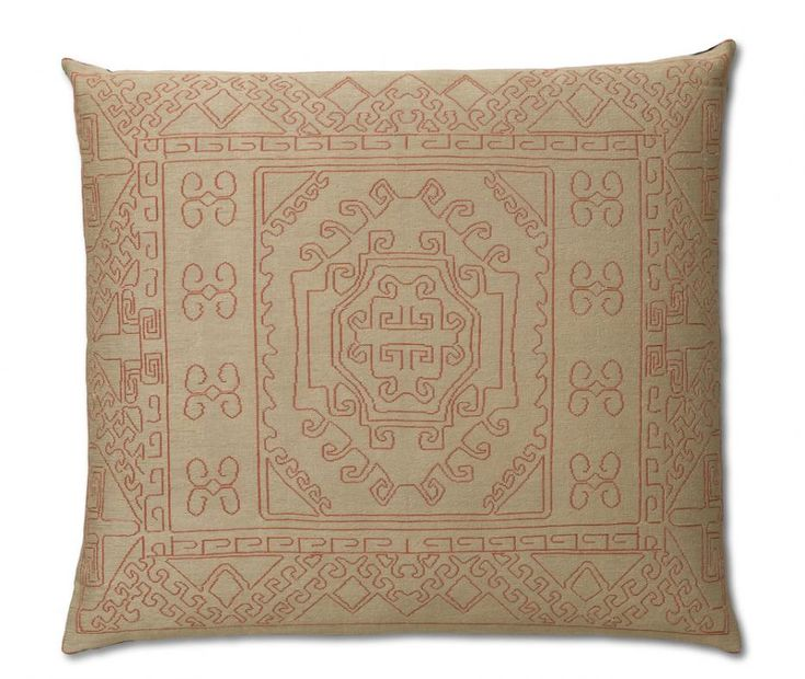 mr nest cuscions #INDIA CUSHIONS hand embroidery, TECHNIQUES chainstitch and crewel, PILE HEIGHT flat,  MATERIAL silk or wool, PRODUCTION AREA India, SHAPE AND DIMENSION 120x120 cm. http://nodusrug.it/it/collezione_tappeti_scheda.php?ID=MRNESC