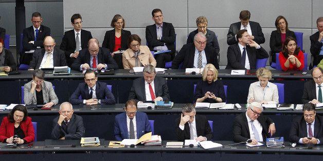 Die Große Koalition ist mit großen Versprechen angetreten Doch viele davon hat sie nicht gehalten Die vier Jahre der Legislaturperiode haben der großen Koalition von Union und SPD nicht gereicht, um a...