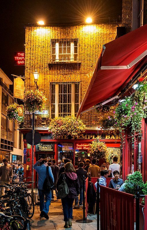 Temple Bar at night, Dublin, Ireland: