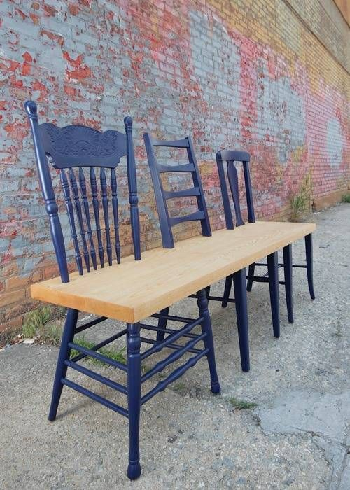 Un magnifique banc à faire soi-même avec quelques vieilles chaises. Il fallait y penser.