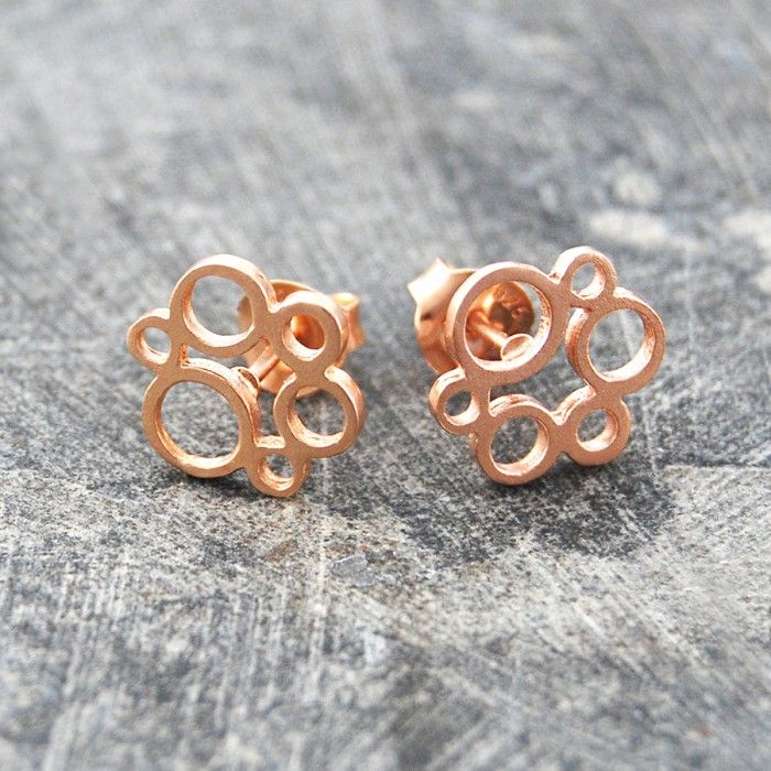 Contemporary And Unusual These Textured Circle Rose Gold Stud Earrings Feature A Cer Of Tiny