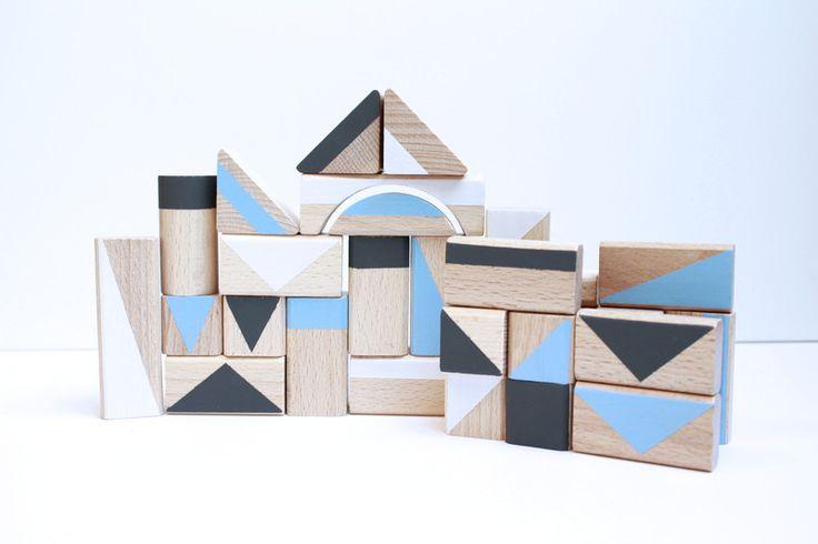 Holzspielzeug - 30 Holzbausteine Bauklötze *clouds*  - ein Designerstück von pinuhdesign bei DaWanda