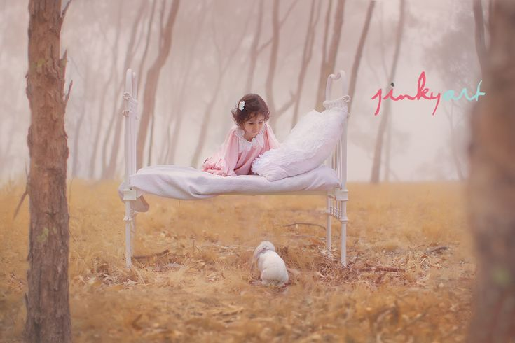 @Lacy Hampton I would like a picture of my little girl like this one day. just take note.lolMinis Session, Toddlers Beds, Antiques Beds, Art Photography, Jinky Art, Barbed Uil, Easter Minis, Photography Blog, Jinkyart