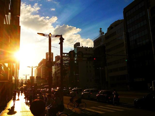 Hiroshima 2012 / 7 / 17: Onedayoneshot 2012, 差し込んで いる, 31 Japan, まで 差し込んで, Igraph Art, Hiroshima 2012, Art Projects, 押して くれる