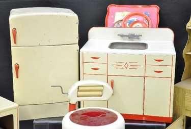 146: Wolverine Toy Kitchen Set, plus - 3