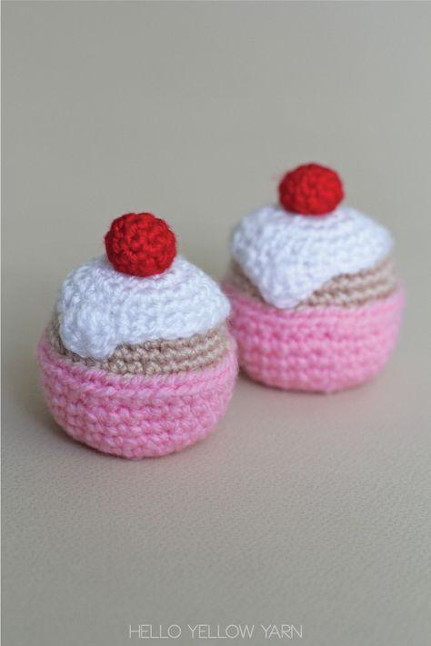 Crocheted Cupcake – Free Pattern | Hello Yellow Yarn