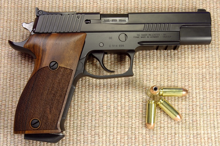 SIG-Sauer P220 converted by Gray Guns Inc. to 10mm, Nills grips