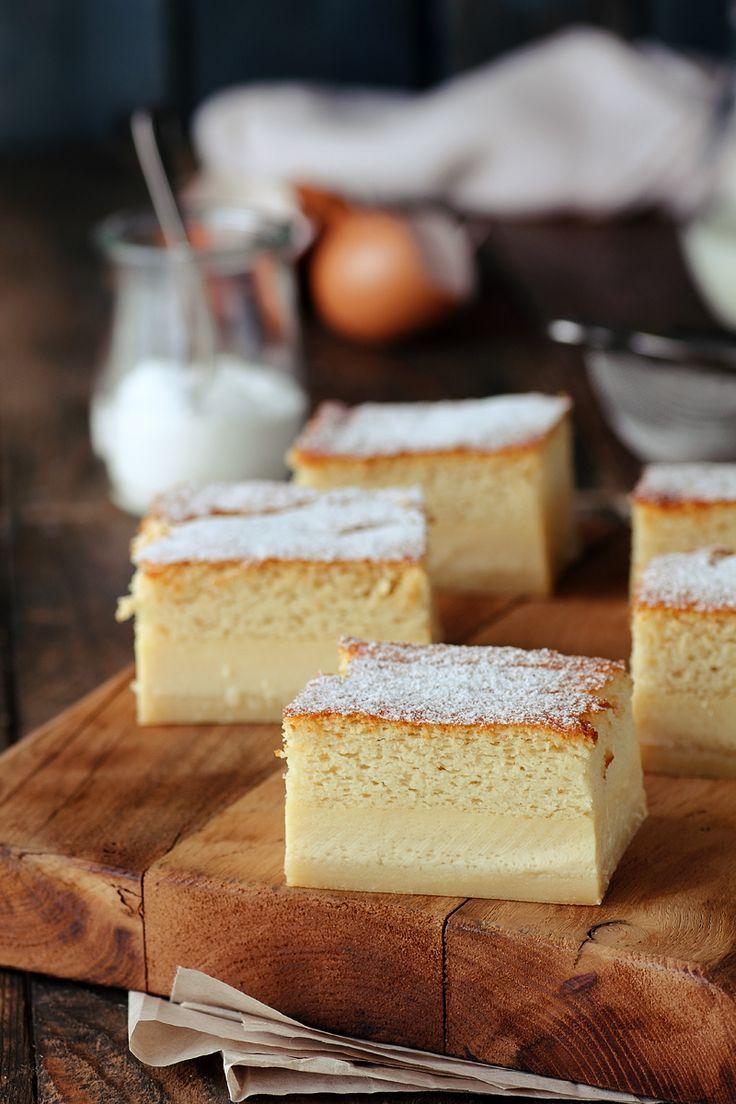Pastel inteligente - El nombre de este pastel le viene dado porque aunque se prepara una sola crema, luego en el horno ella sola se divide en tres.