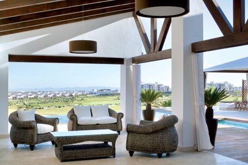 Muebles de mimbre para exterior for Sofa mimbre terraza