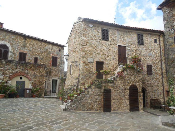 **Piazza del Castello di Montemerano (cute village) - Italy