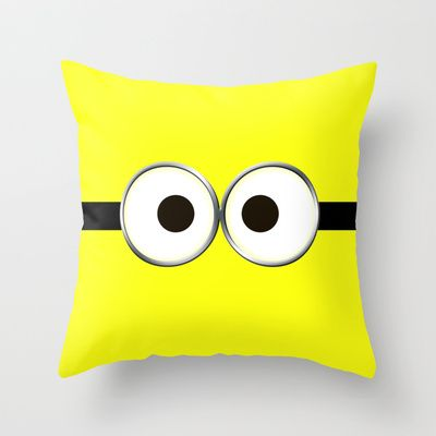 minion pillow. wouldnt mind having one, or a few of these on my couch!