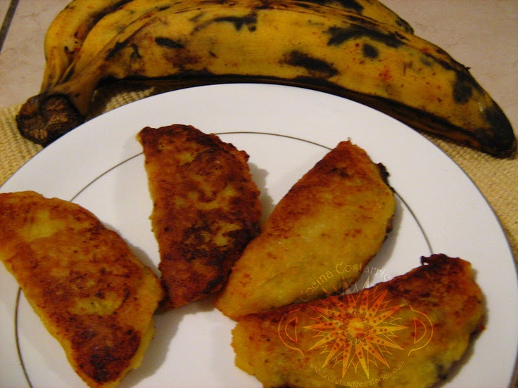 Cocina Costarricense: empanadas de plátano maduro
