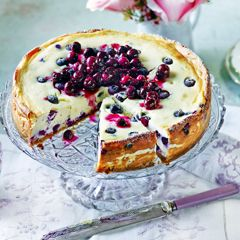 Baked blueberry cheesecake with blueberry compote - Sainsbury's Magazine