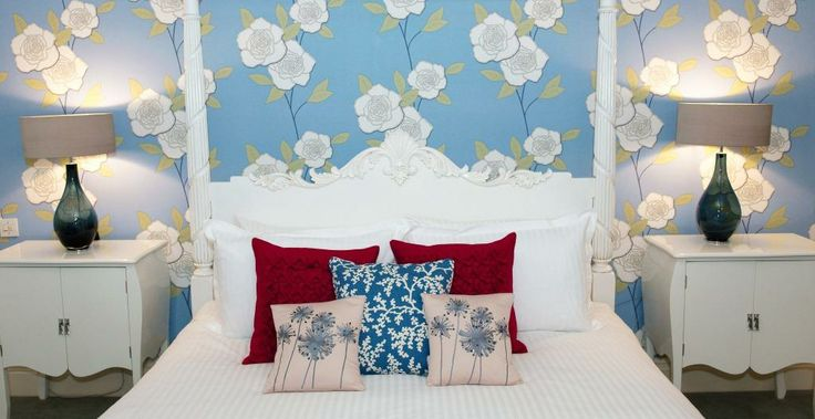 Forget me Not suite bed