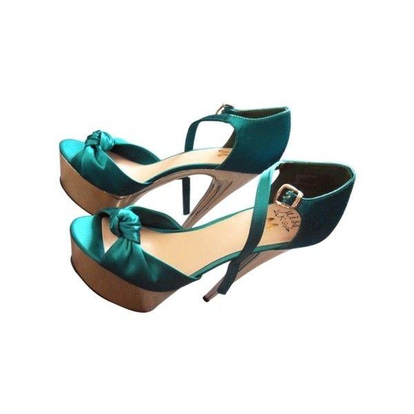 Pre-owned Kurt Geiger Heels ($89) ❤ liked on Polyvore featuring shoes, pumps, kurt geiger shoes, pre owned shoes, open-toe pumps, blue open toe pumps and green pumps