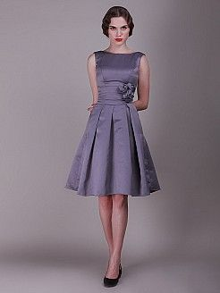 Geena - Γραμμή Α Αμάνικο Σατέν Φορέματα Κουμπάρας - EUR 117,32€