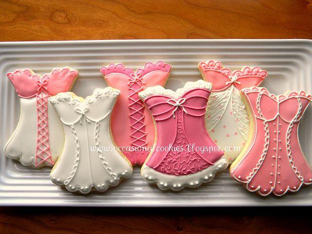 Bat Mitzvah Cake - http://www.bmmagazine.com/home/mitzvah-store/bar-mitzvah-cake N_Big Cupcake Ideas #batmitzvah cake, mitzvah cake, #BMmagazine