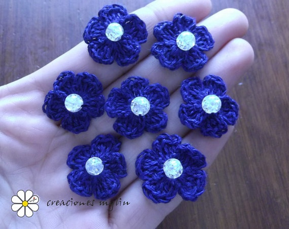 Flowers appliques  with linen thread and by Creacionesmyliu, €7.00