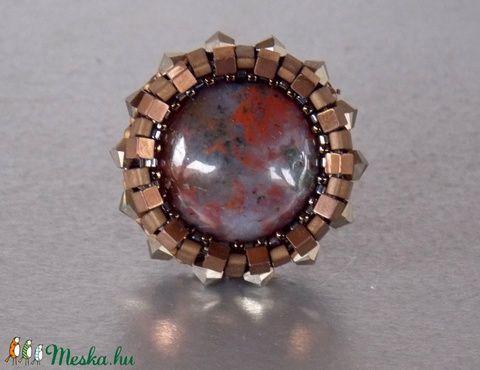 Achát - gyöngy hímzett gyűrű (Muttery) - Meska.hu #gyűrű #vicusdesign #muttery #achát #fashion #gyöngyhímzés #gyöngyösékszer #modern #shopping #art