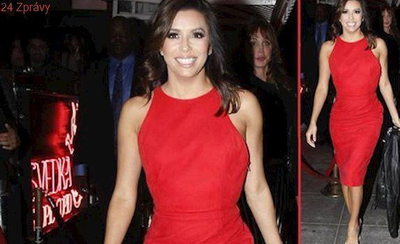 Styl podle celebrit: Na Štědrý den se inspirujte šaty Evy Longoria!