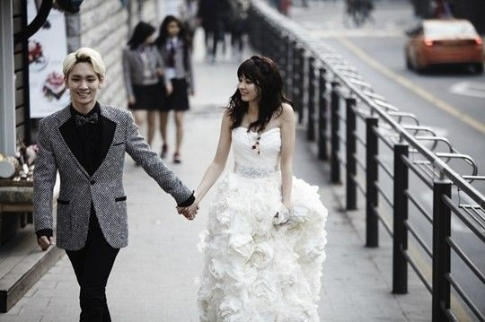 'We Got Married - Global Edition' couple SHINee's Key (키) and his 'wife' Japanese model Arisa Yagi (八木アリサ) spent a day together for 'Cosmopolitan's photoshoot and a separate wedding pictorial!