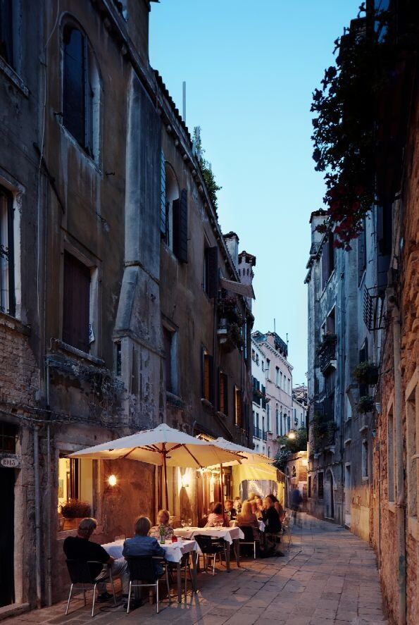 Discover the authenticity and charm of #Venice during your next Italian escape.