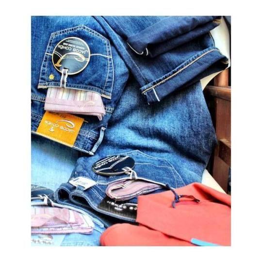 Stonewashed jeans with a vintage feel.    Discover Jacob Cohen collection at: incrocio.gr/en/designers/jacob-cohen/    #jacobcohen