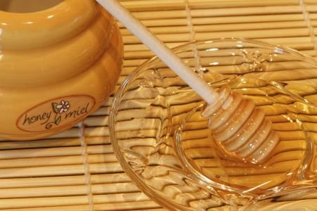 Honey 1 tbsp. coconut oil 2 tsp. raw honey ½ tsp. lemon juice  - Combine all the contents in a mixing bowl. - Apply the mixture on your clean face, and let the mask stay on for 10 minutes. - Wash off with cold water, and wipe your face with a clean towel.